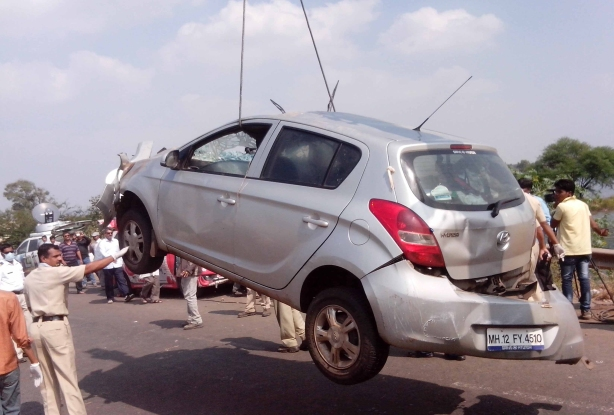The damaged i20 . Pic by Sakal Times photojournalist Vaibhav Thombare